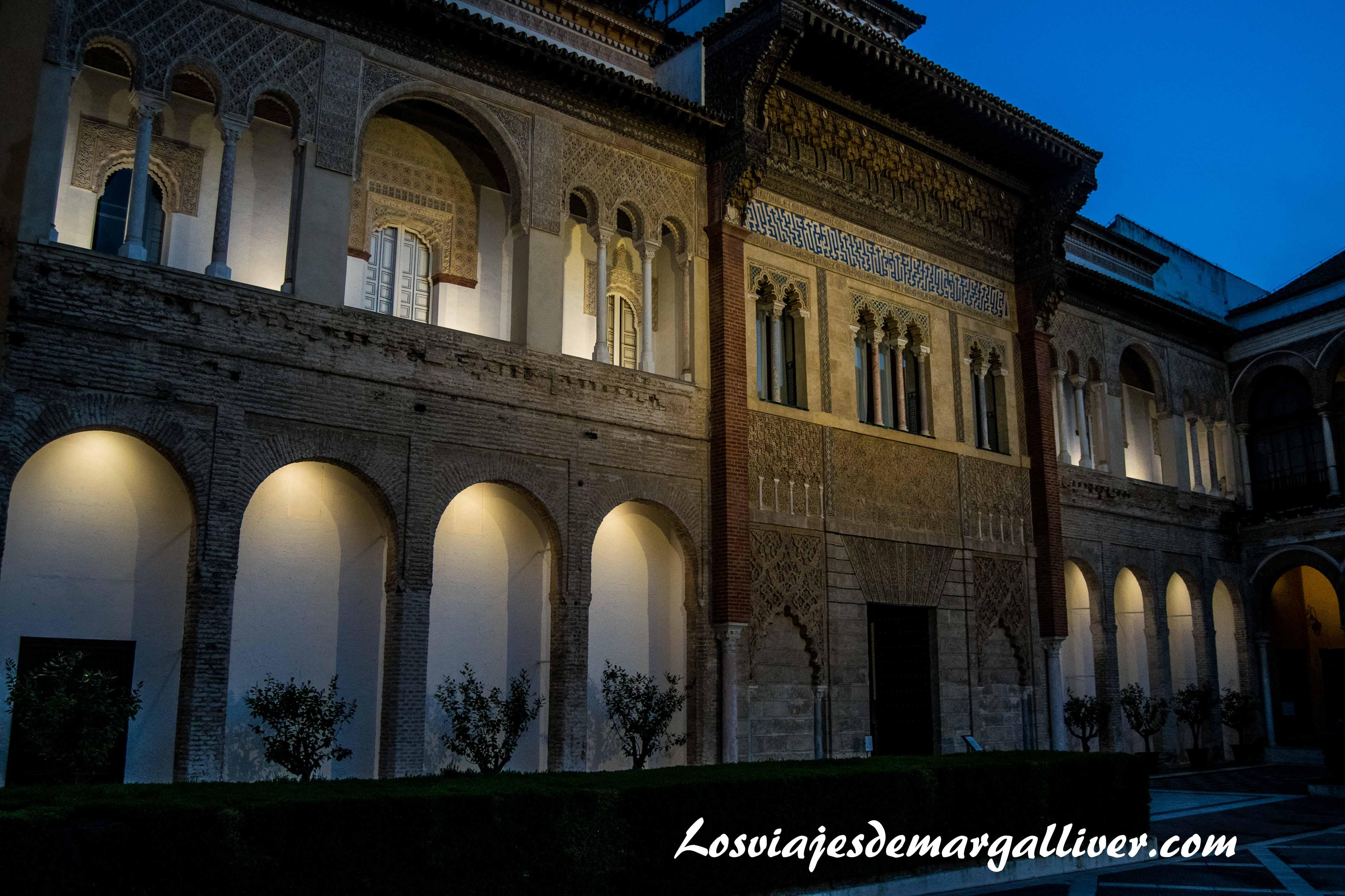 Entrada de los reales alcazares de Sevilla en la ruta de juego de tronos - Los viajes de margalliver